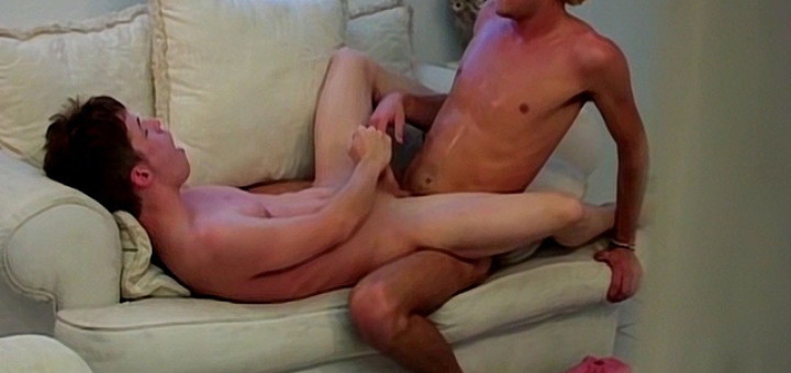 Spying On Horny Lovers - Axel and Francisco - 2